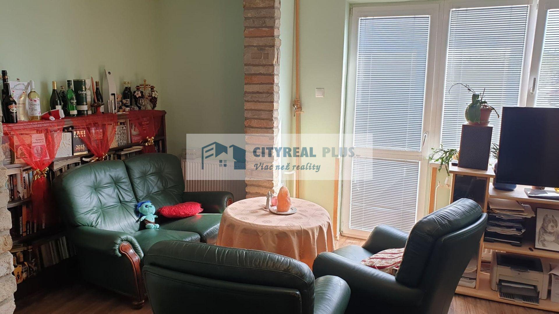 Rodinný dom-Predaj-Iža-90900.00 €