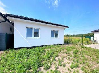 **NOVOSTAVBA: Dokončený 4 izb. rodinný domček v ŠTANDARDE v Kostolišti!!*