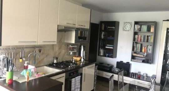 Predáme krásny slnečný 3 izbový byt v BB
