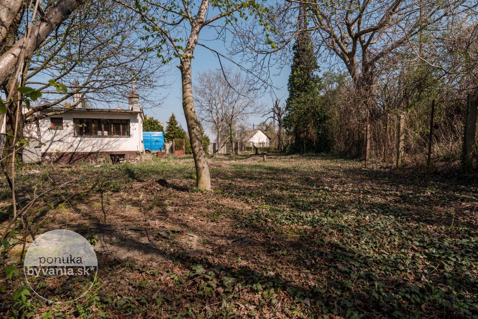 ponukabyvania.sk_Nové záhrady IV_pre-rodinné-domy_BARTA