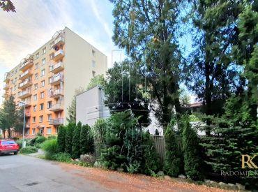 Veľký 2 izbový byt v blízkosti centra na ulici Dubnická