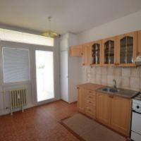 3 izbový byt, Levice, 76 m², Pôvodný stav