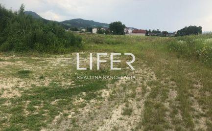 Komerčný pozemok na predaj v Dolnom Hričove