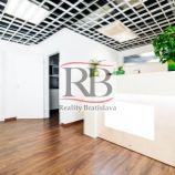 Obchodno-administratívny celok, 196 m2