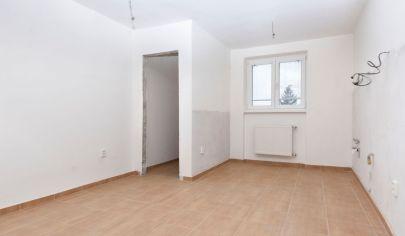 3 izbový byt Rohovce - 9 km od Šamorína, kompletná rekonštrukcia