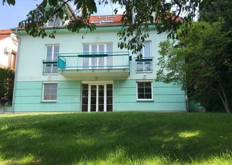 7 izbový rodinný dom vhodný na bývanie aj podnikanie, Kramáre
