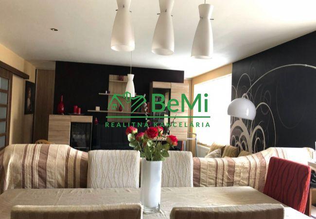 Nadštandardný 2-izbový byt na predaj v centre mesta Žiar nad Hronom, 371-112-LOS