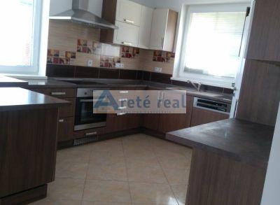 Areté real- Vám ponúka na prenájom - 6.izbový rodinný dom, Čierna voda