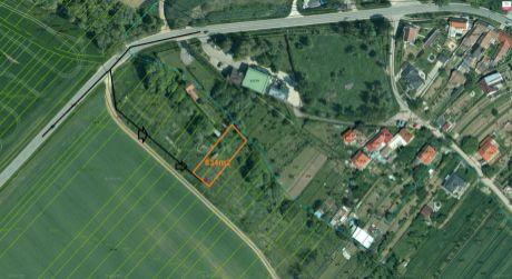 Investičný stavebný pozemok v Ružindole je na predaj-834m2