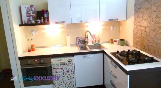 3 izbový byt v Lučenci na predaj, kompletná top rekonštrukcia...