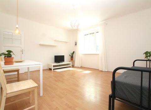 Na predaj zariadený 1 izbový byt v tehlovom dome v širšom centre mesta