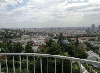 BA I. Staré mesto - 4 izbový byt s terasou s krásnym výhľadom v centre mesta