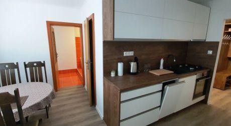 Predaj 3 izbového bytu s 2 balkónmi a loggiou vo Zvolenskej Slatine