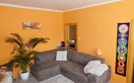 2 - izbový čiastočne prerobený a udržiavaný byt v dobrej lokalite 50 m2 -  Brezno