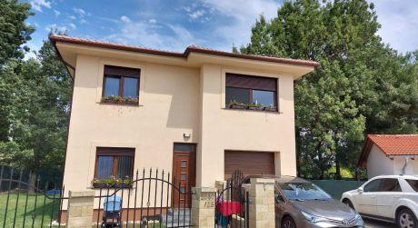 Predaj 4-izbového domu s garážou, Dunajská Lužná