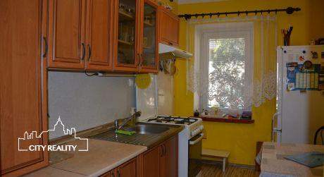 Ponúkame Vám na predaj 2 izbový rodinný dom, pozemok 942 m2, Janova Lehota