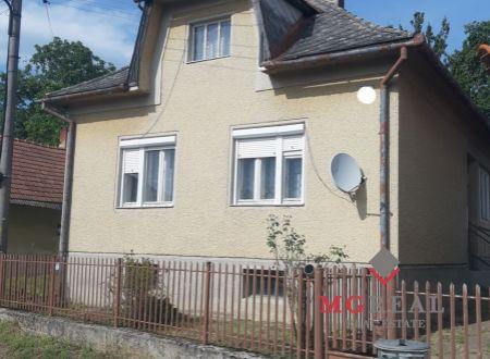 Dva domy na predaj Pečeňany
