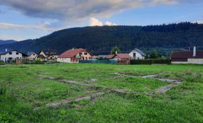 PREDAJ: Pozemok so základmi rodinného domu TOPÁS 87/13, 973 m2, obec Heľpa, okres Brezno