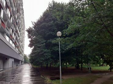 Priestranný 3 izbový byt s 2 loggiami s krásnym výhľadom na ulici Rovniankova