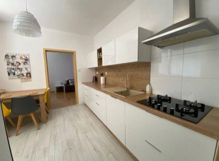 3 izbový byt  s  balkónom Topoľčany / VYPLATENA ZALOHA
