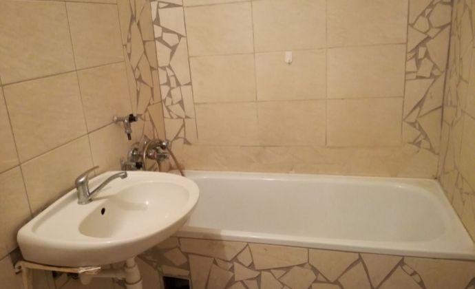 Ponúkam na predaj veľký 3 izbový byt v Dunajskej Strede,lokalita Nová Ves