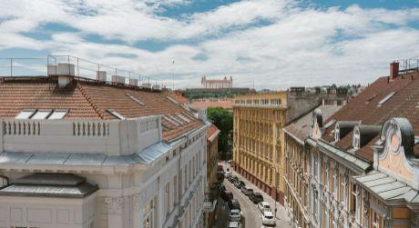 Predaj 2,5 izbového nadštandardného bytu na Gunduličovej ulici v centre - Palisády