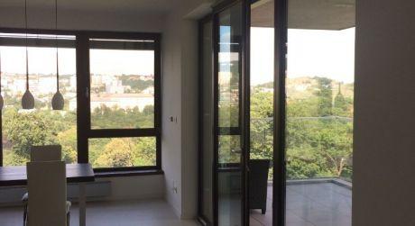 Dáme do prenájmu krásny 4 izbový byt na Hriňovskej ulici.