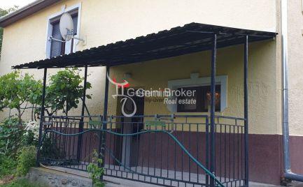 OKAMžITÉ BÝVANIE!!! GEMINIBROKER Vám ponúka veľký nový rodinný dom v obľúbenej obci Hollóháza