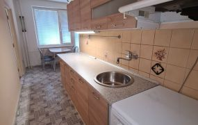 Na prenájom 2 izbový byt - 57 m2, kompletná rekonštrukcia, 2 x balkón, Dubnica nad Váhom - CI.