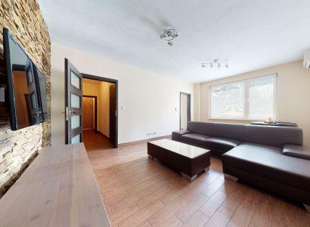 Pekný 2 izb. byt /centrum/ Piešťany