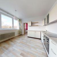 2 izbový byt, Brezová pod Bradlom, 52 m², Kompletná rekonštrukcia