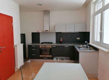 BA I. Na prenájom 3 izbový byt so záhradou na  Vysokej ulici