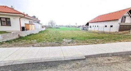 Pozemok /461 m2 / Sokolovce