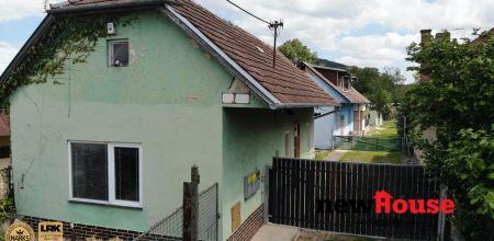 Na predaj dva rodinné domy na krásnom pozemku 1356 m2 v Trenčíne, Zlatovce