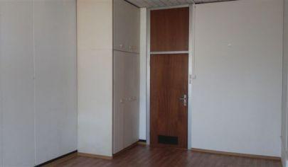 Prenájom kancelárie/ viacúčelové miestnosti s umývadlom 22m2 do 92,6m2 LEN 8,-€/ m2! ul. Polianky, BA IV., Dúbravka.