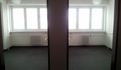 LEN: 7,50€/m2/mesiac. Prenájom kancelárie/ viacúčelové miestnosti s umývadlom 36m2 + parkovanie, Bulharská ul., BA II., Trnávka.