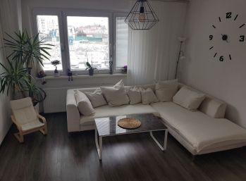 Znížená cena! 3 izbový byt po kompletnej rekonštrukcii v Záturčí