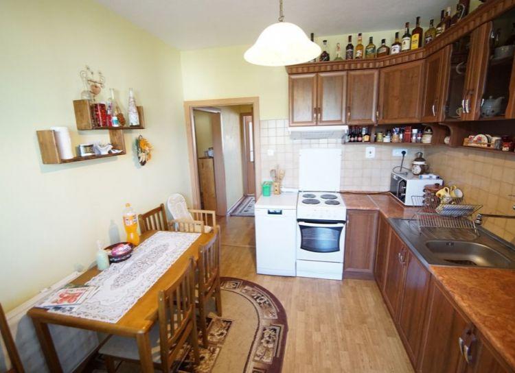 Na predaj 3 izbový byt po rekonštrukcii v Turanoch - Drevina
