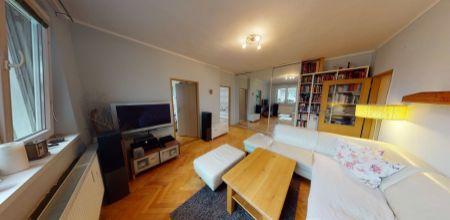 Ponúkame Vám na PREDAJ pekný 3 izbový byt po čiastočnej rekonštrukcií o rozlohe 65 m2 v meste Ilava