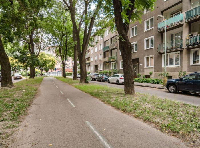 TRENČIANSKA, 1-i byt, 39 m2 - CENTRUM mesta na pešo, tehla, 2 PIVNICE, INVESTIČNÁ príležitosť