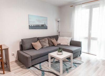 Kompletne zrekonštruovaný 2-izbový byt na zvýšenom prízemí s francúzskym balkónom