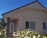 EXKLUZÍVNA PONUKA!!! DIAMOND HOME s.r.o. ponúka Vám na predaj poctivo stavaný 4izbový komfortný rodinný dom s krásnou záhradou neďaleko od Dunajskej Stredy v obci Macov!