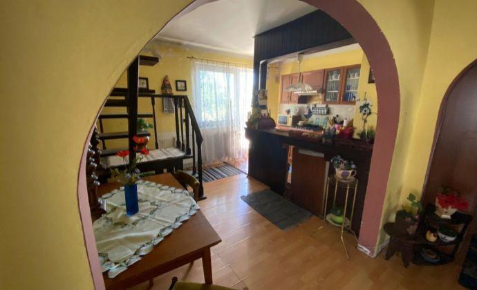 Ponúkame na predaj rodinný dom s garážou v obci Hamuliakovo