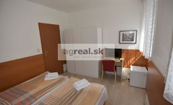 Prenájom- samostatná jednotka- byt s vlastným sociálnym zariadením v dobrej lokalite/Separate unit with own bathroom in good location, ul. Jaskový rad, Bratislava III-Nové Mesto