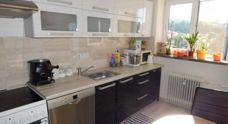 Na predaj 3- izbový byt, 72 m2, Handlová, 29.Augusta