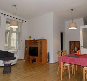 STARBROKERS - Prenájom väčšieho 2 izb. bytu v samotnom srdci mesta pri Primaciálnom námestí