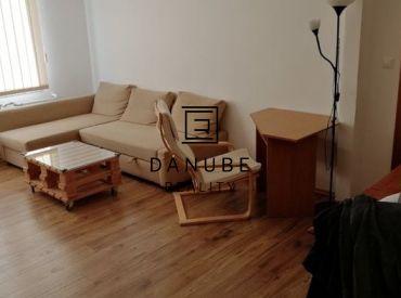 Predaj 3-izbový byt s balkónom v Bratislave-Novom meste na Riazanskej uici.