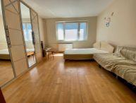 Na predaj priestranný 2.-izb. byt s lodžiou, 54.4m2, neprechodné izby, Na Hlinách