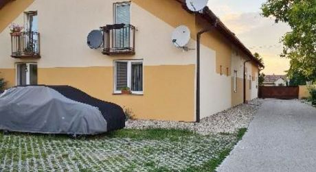 Predaj 1 izbový mezonet v Most pri Bratislave.