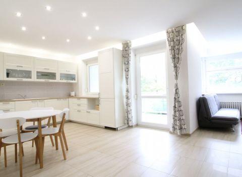 PRENAJATÝ - Na prenájom nadštandardne dispozične riešený 1,5 izbový byt s veľkou terasou na Martinengovej ulici v blízkosti HORSKÉHO PARKU